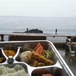 穏やかな越前海岸にて美味しいお弁当\(^o^)/